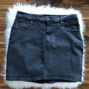 Levi's Mile High Skirt Dark Wash
